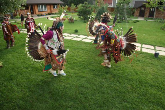 AMERICAN INDIAN SHOW FOR THEMED EVENTS