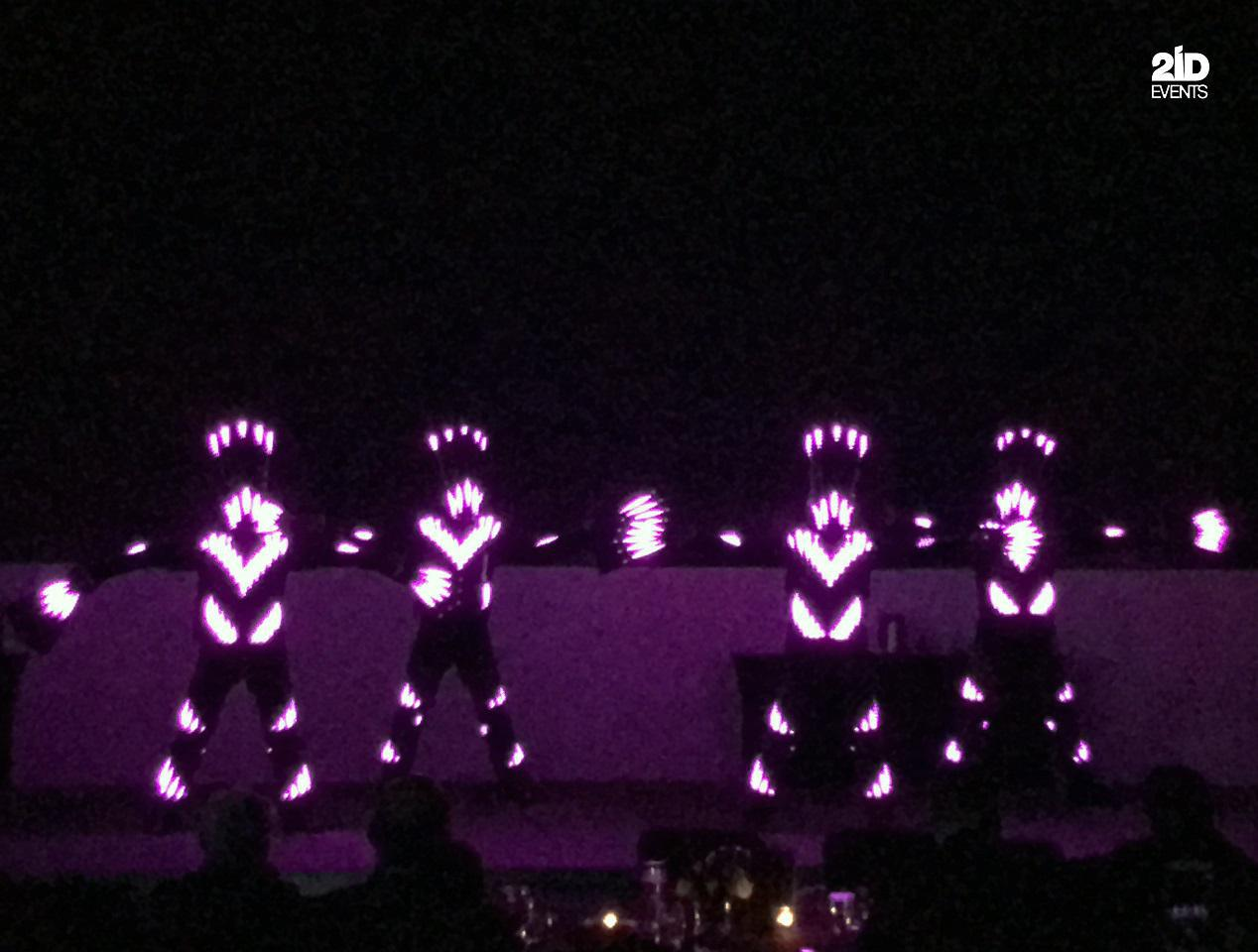 EL WIRE SHOW FOR THE GALA DINNER