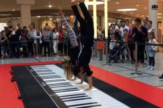 INTERACTIVE PIANO FOR THEMED EVENTS