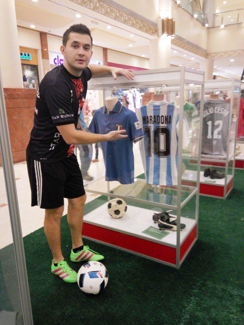 11 - FOOTBALL FREESTYLERS FOR PUBLIC EVENT IN ABU DHABI