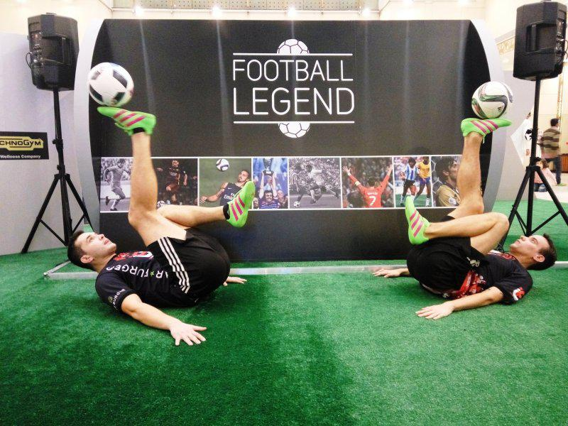 14 - FOOTBALL FREESTYLERS FOR PUBLIC EVENT IN ABU DHABI