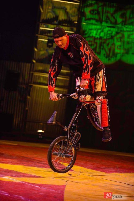 Bike act in Dubai