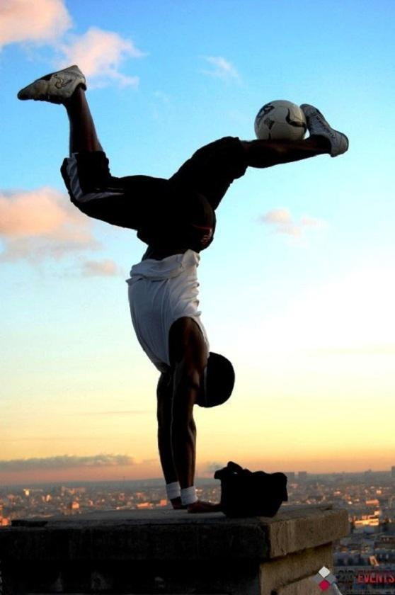 Football freestyle in Dubai