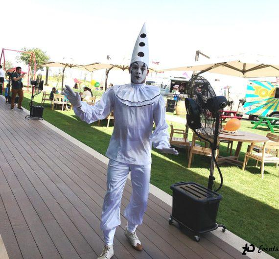 Mime artist in the UAE