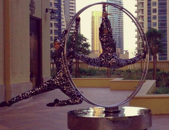 Revolving ring performance in Dubai
