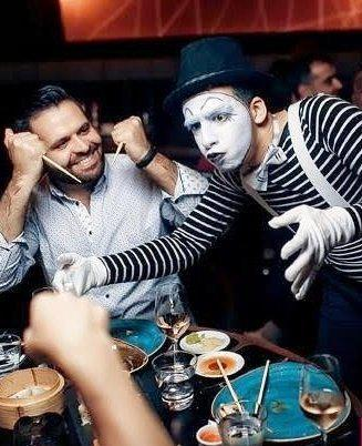Mime artist in Dubai