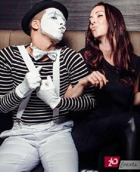 Mime artist in Dubai