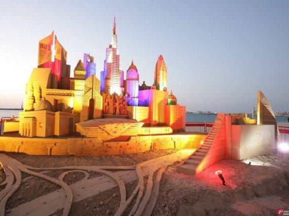 Sand sculpture in Dubai