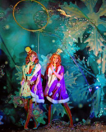 Giant soap bubble show in Dubai