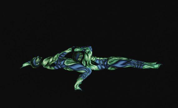Acrobat duo in Dubai