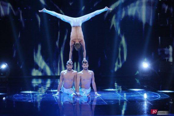 Acrobatic trio in Dubai