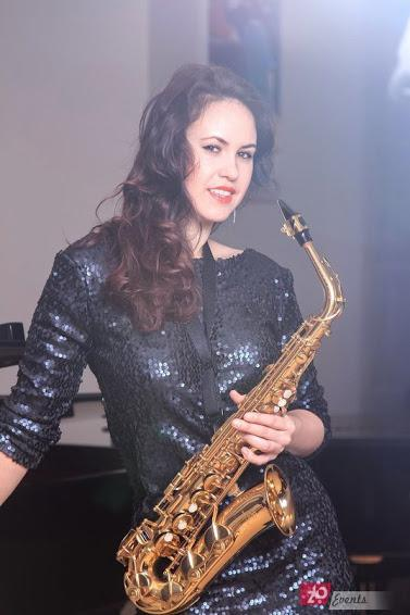 Female sax player in Dubai