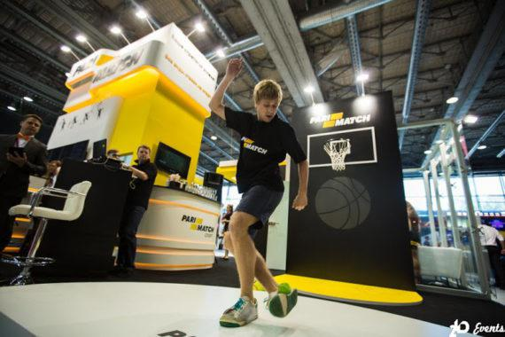 Footbag freestyle in the UAE