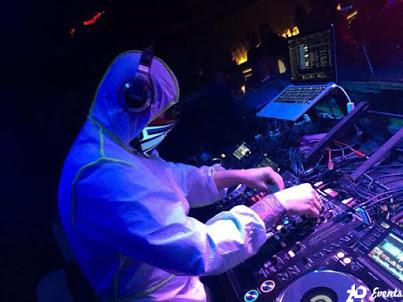 Male DJ in Dubai