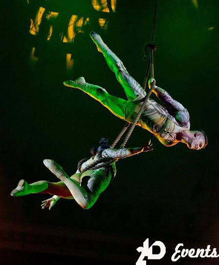 Aerial rope act duo in Dubai