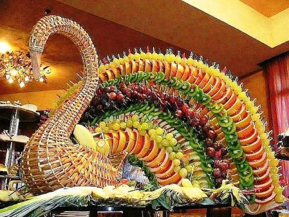 Carving food decoration in Dubai