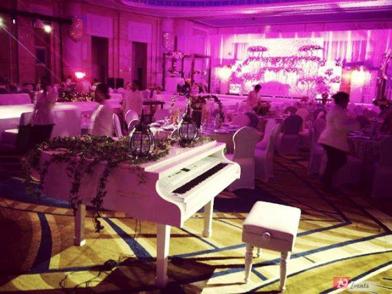 Pianist for wedding reception in Dubai