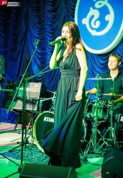 Solo singer in Dubai