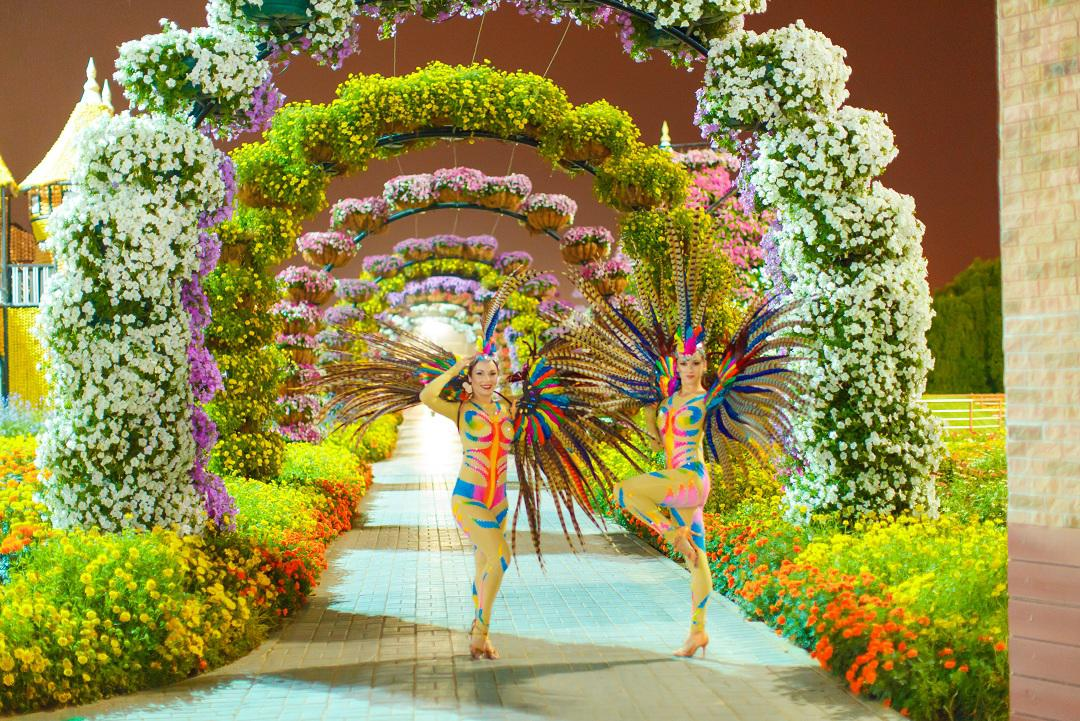 2ID - FANTASY BIRDS FOR THE GRAND OPENING OF THE MIRACLE GARDEN