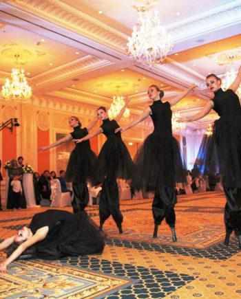 Stilt Walkers Female Dancers in Dubai