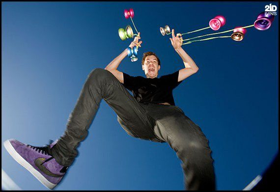 Yo-yo Tricks Show in the UAE