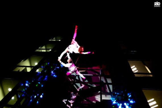 Building Dancers in Dubai