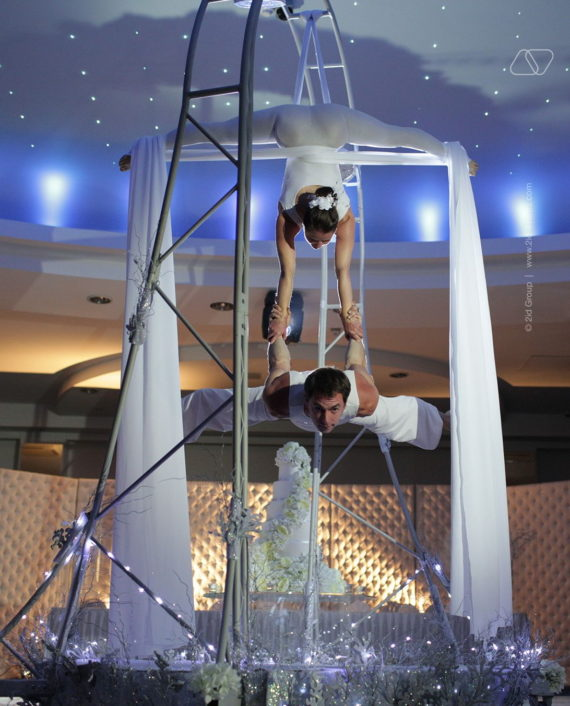 REVOLVING AERIAL PERFORAMNCE IN DUBAI
