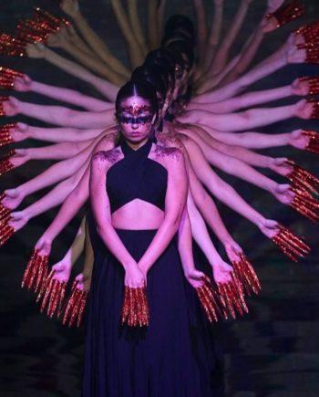 сделано 23.11.2019 в 13.57 350x435 - MESMERIZING FEMALE DANCE CREW IN DUBAI
