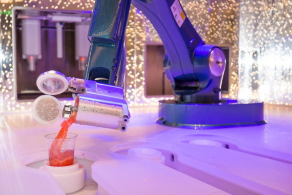 INTERACTIVE ROBOT BARMAN IN DUBAI